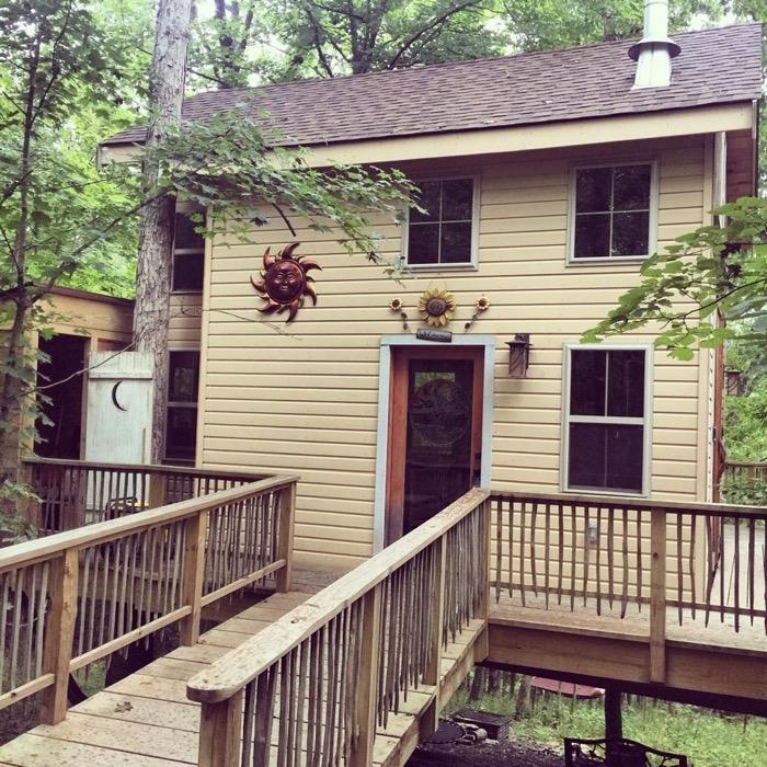 earthjoy treehouse in Germantown KY