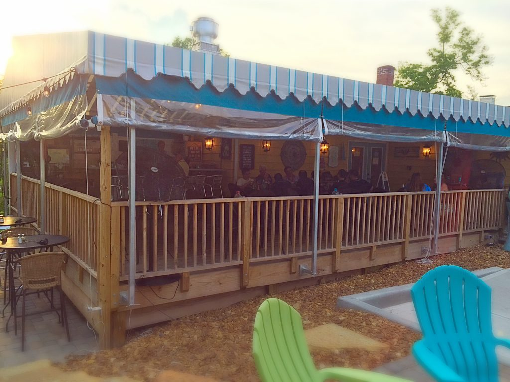 Cozy's Cottage outdoor dining Liberty Township